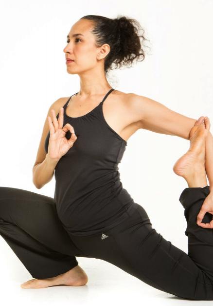 Dona_Tumacder-Esteban_yoga.jpg_-_2016-07-26_20.56.48